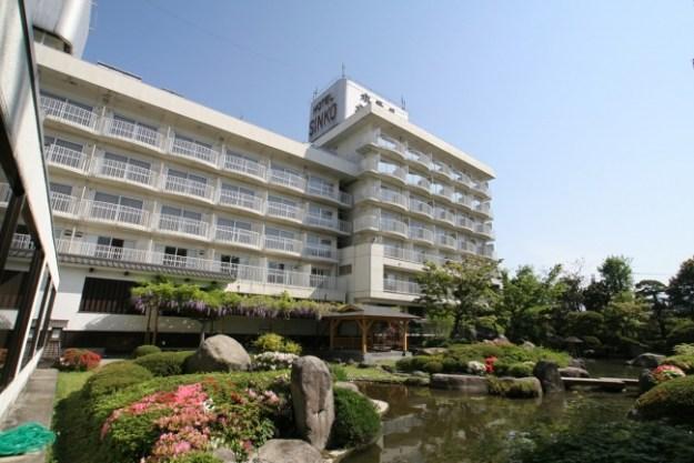自家源泉の天然温泉と日本庭園が自慢の大江戸温泉物語「ホテル新光」