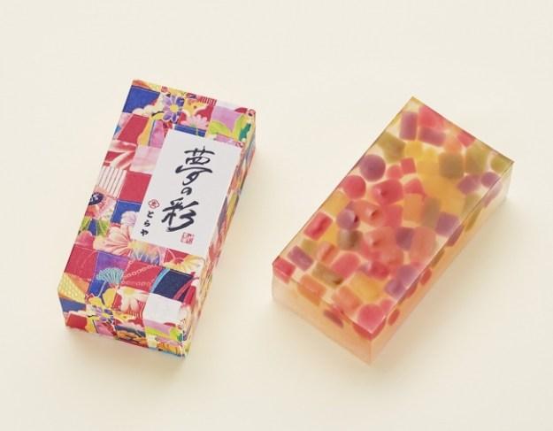 〈とらや〉特製羊羹『夢の彩』(ハーフサイズ)2,160円(税込限定300本)