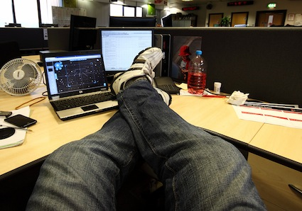 feet-up-desk