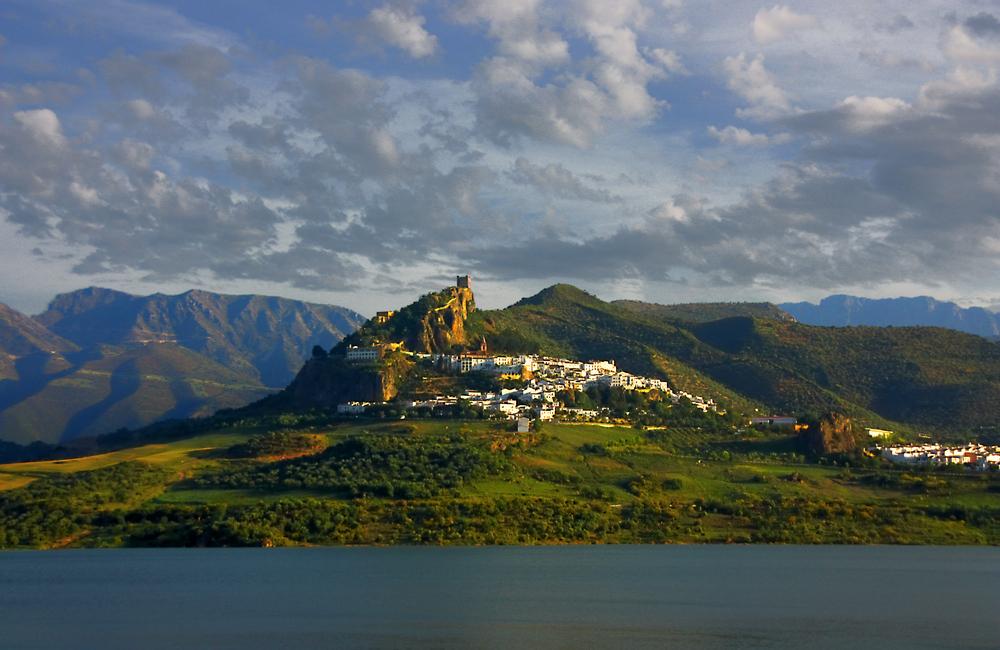 Zahara de la Sierra en Andalucia