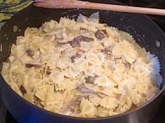 Pasta, mushrooms and heavy cream