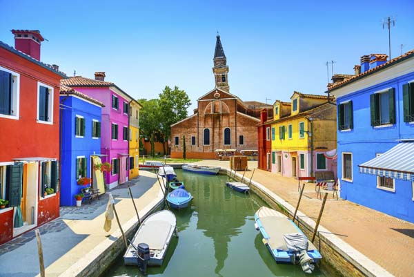 The 19 Most Beautiful Places To Live In The World 2 Looks Heavenly