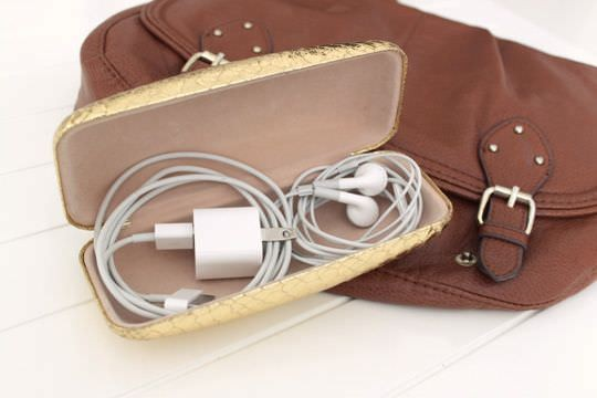 Keep%20loose%20chargers%20and%20cables%20organized%20with%20a%20glasses%20case.