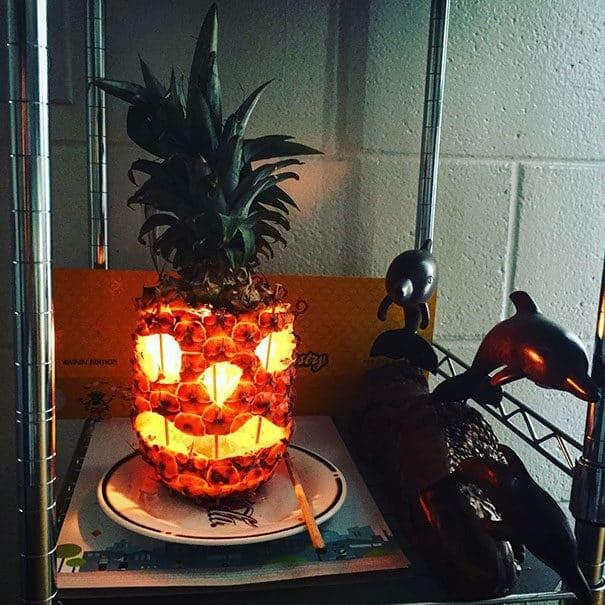 57fb3fd014162 - Forget Pumpkins, Pineapple Jack O' Lanterns Are The Latest Hallowe'en Trend