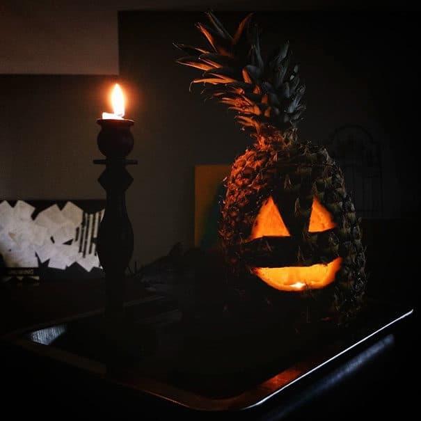 57fb3fd10649c - Forget Pumpkins, Pineapple Jack O' Lanterns Are The Latest Hallowe'en Trend