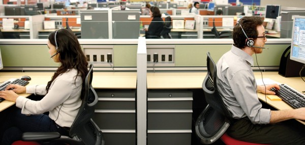 Contact-center-two-agents