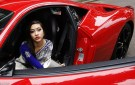 London: Teenagers Rent Expensive Cars for High School Prom