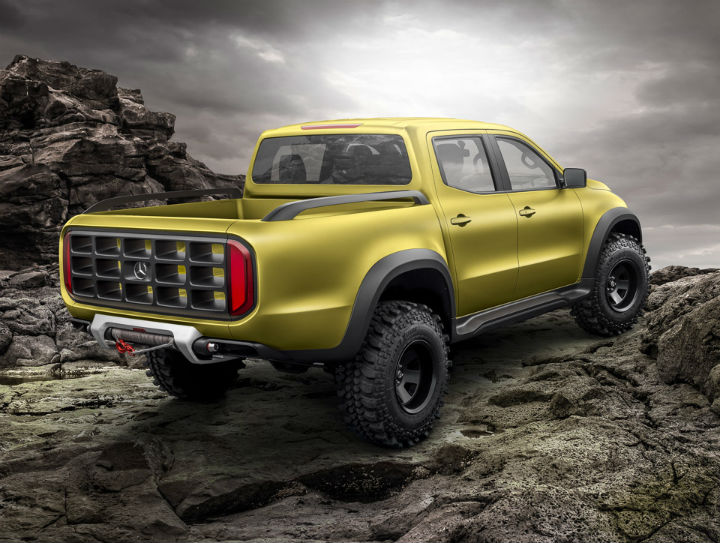 2017 mercedes benz concept x class pickup truck q8 all for Mercedes benz truck pictures