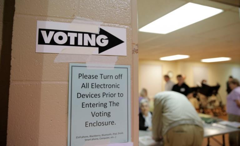 Judges order new NC legislative maps, special election