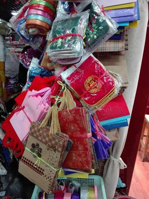 Jimo lu Qingdao China fake market 9