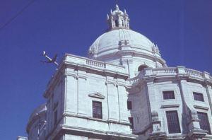 Flugzeug ueber Kathedrale Kopie