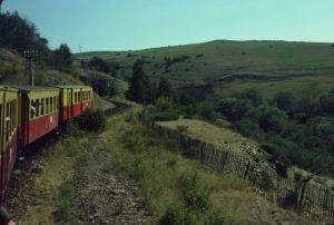 Le Petit Train Jaune Hocheben, Kurven, Tunnel
