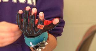 Des gants pour remplacer votre voix !