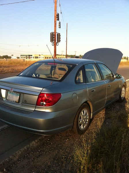 image of my stalled Saturn car