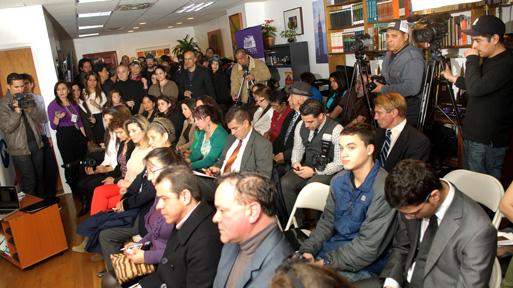 El público que asistió a la rueda de prensa del Festival de Cine Colombiano en Nueva York en el Consulado de Colombia en Nueva York. Foto Marco Aurelio