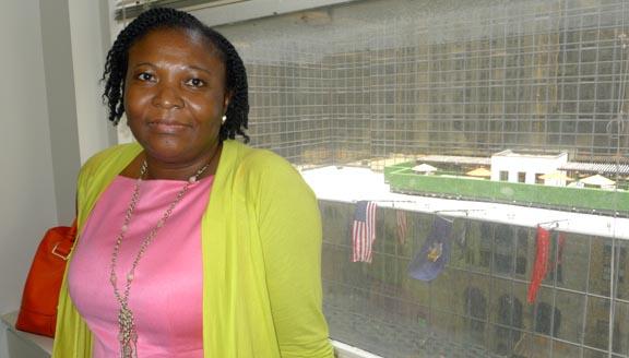 Carolina Solano, garífuna, es ahora ciudadana estadounidense y está solicitando a su familia en Honduras.