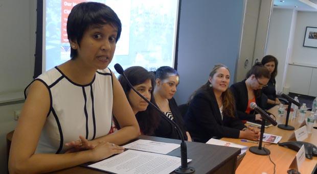 Nisha Agarwal, comisionada de Inmigración de la ciudad de Nueva York hablando durante el panel par aincentivar el proceso de ciudadanía. Fotos javier Castaño