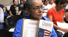 Clases de ciudadanía en Biblioteca de Corona