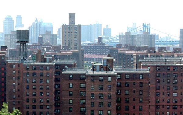 Alcalde de Blasio anuncia congelación de renta estabilizada en NYC