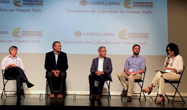 Colombia y su gente en el exterior por la paz (feria en LaGuardia y plebiscito por el SI o NO)