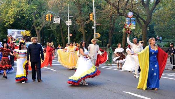 Desfile de la Hispanidad enciende motores