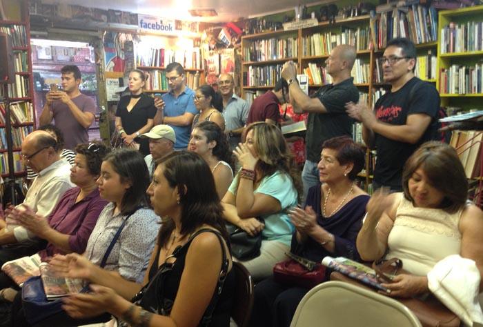 Parte del público que asistió a la entrega de los premios de periodismo en honor a Carlos Vélez. Foto Javier Castaño