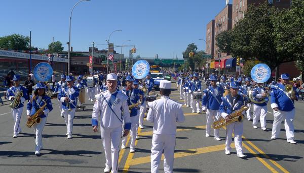 Desfile Hispano de Queens con más de 30 grupos folclóricos