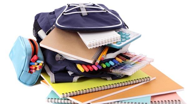 Organización local de Queens ofrece útiles escolares gratis para regresar a la escuela