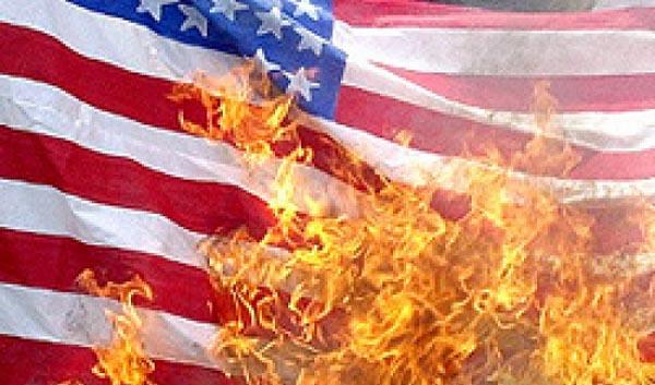Trump: 'No queme bandera de EE.UU. o aténgase a consecuencias'