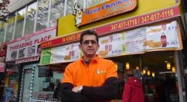 Juan Guillermo Ospina lleva 11 años vendiendo empanadas en Queens