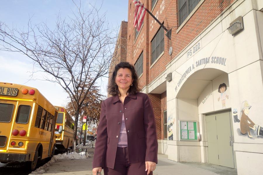 Yvonne Marrero, directora de la escuela 222 de Jackson Heights.