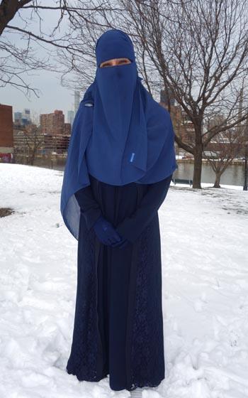 Amada Sahar Quezada en Astoria, Queens, al lado del East River. Fotos Javier Castaño