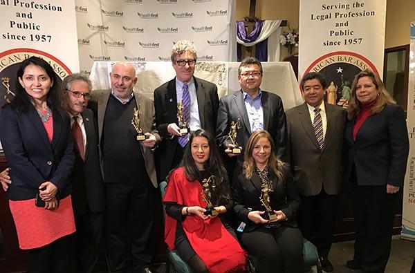 Premios Defensor del Inmigrante para promover la unidad entre latinos