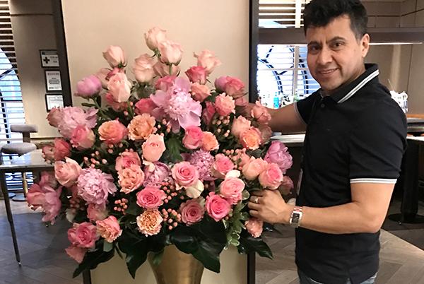 Decorador Hidalgo Urbano con arreglos florales para quinceañeras y estrellas