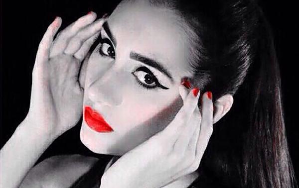 Modelo venezolana Andrea Valero llega a NY huyéndo de la violencia y la escasez