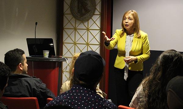 Consultora empresarial Liliana Carrillo imparte seminario 'Aprende & Crece' para empresarios latinos