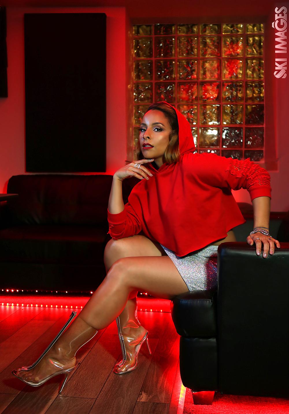 Miss YaYa es ardiente y pone a bailar salsa al espectador.Foto cortesía Valens Agency