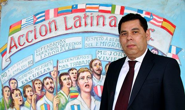 Políticos siguen engañando a inmigrantes latinos