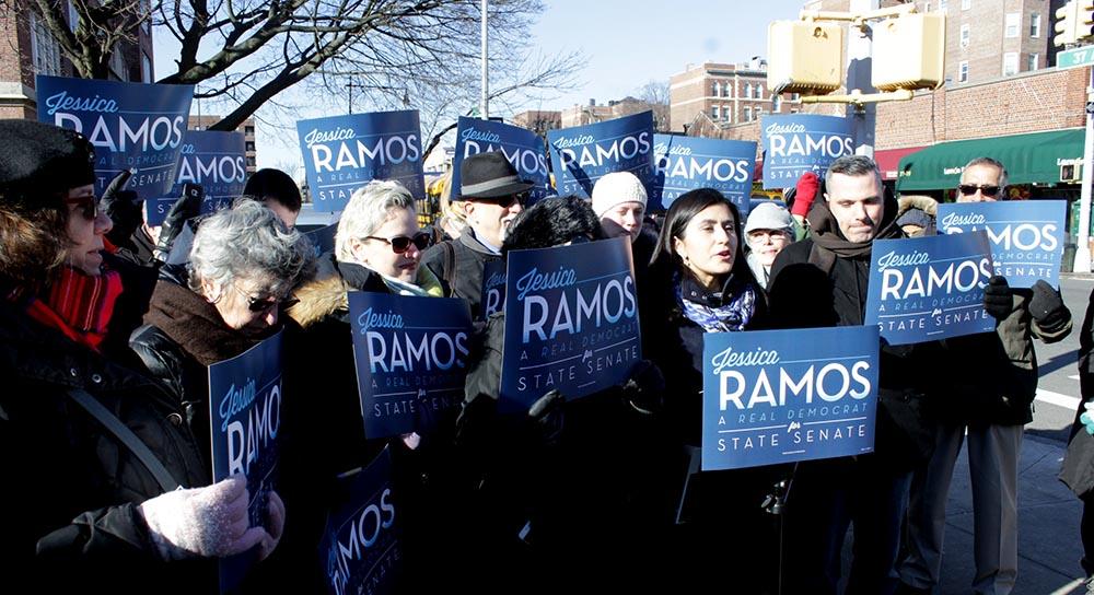 Lanzamiento oficial de la candidatura de Jessica Ramos frente a la escuela pública 69 de Jackson Heights, Queens.