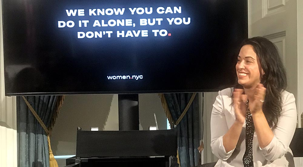 La concejal Carlina Rivera durante la conferencia de prensa para lanzar Women.nyc.