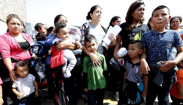 Juez decidirá sobre reunificación de niños indocumentados