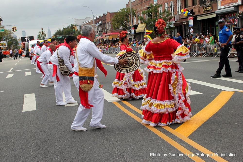 El folklore colombiano siempre hace parte de este desfile.