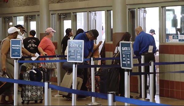 700,000 extranjeros decidieron quedarse en EE.UU.