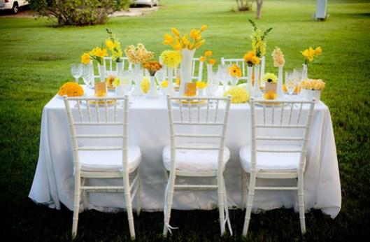Mesa boda en color amarillo