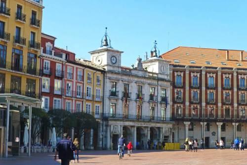 El Ayuntamiento de Burgos es uno de los escenarios de la Festividad de San Lesmes Abad