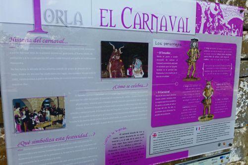 Cartel en el Museo Etnológico mostrando las tradiciones del Carnaval de Torla-Ordesa