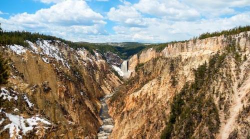 Gran Cañón de Yellowstone, donde se ubican las cascadas Lower Falls y Upper Falls