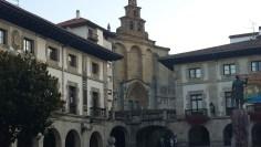 Iglesia de Santa María en la Plaza de los Fueros de Guernica