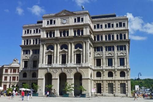 Lonja de Comercio en la Plaza de San Francisco de Asís de La Habana