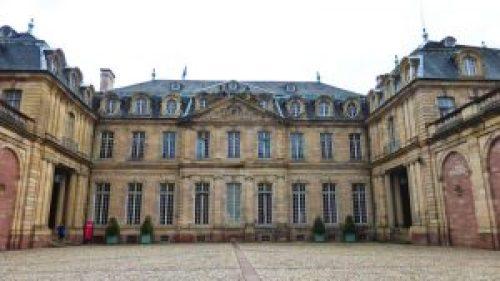 Palacio Rohan de Estrasburgo, alberga el Museo de Bellas Artes, el Museo Arqueológico y el Museo de Artes Decorativas.